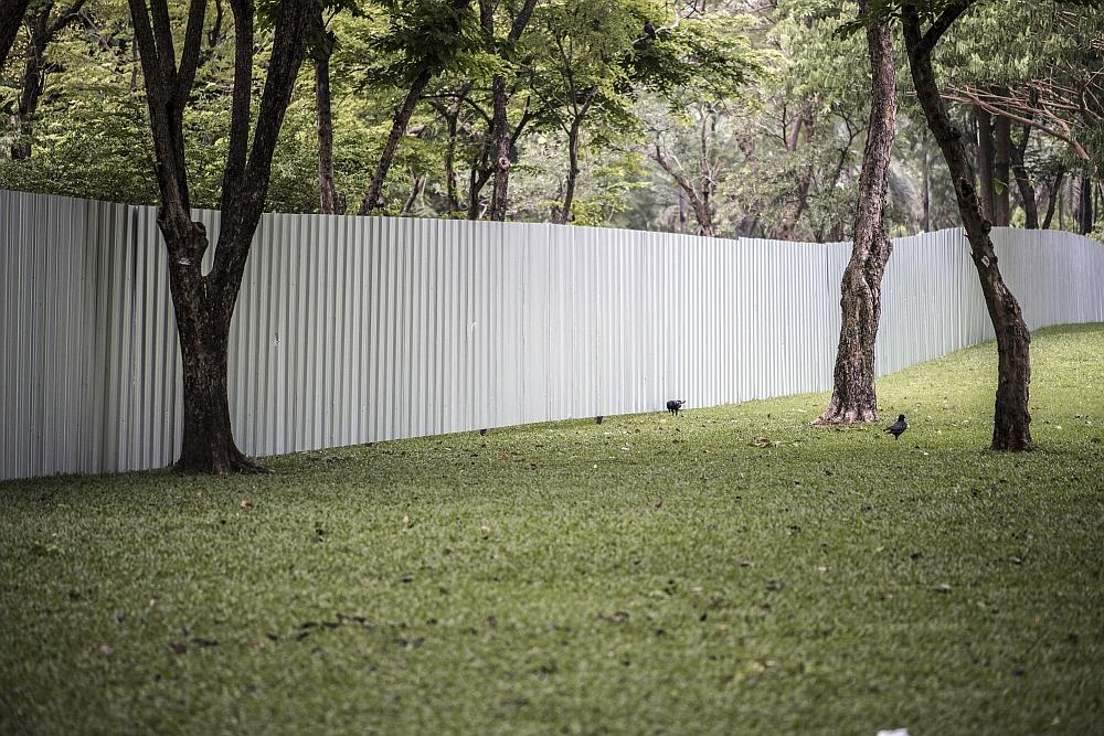 Jak zabezpieczane są nowoczesne ogrodzenia aluminiowe?