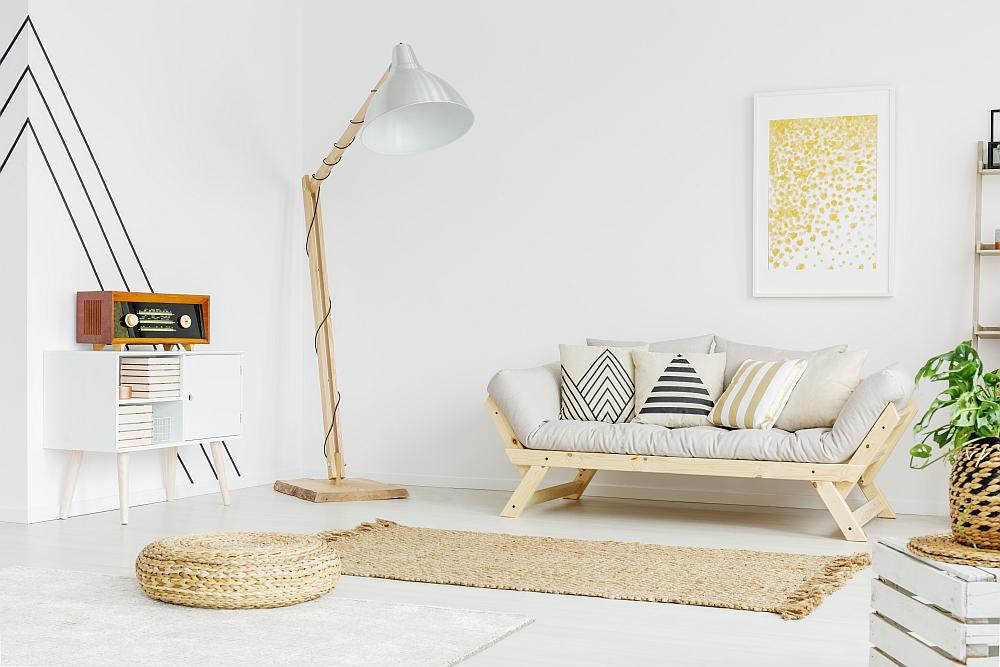 Jakie funkcje spełniają lampy w salonach?